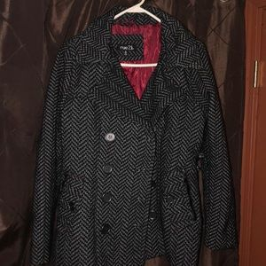 Black and Gray Coat 🧥